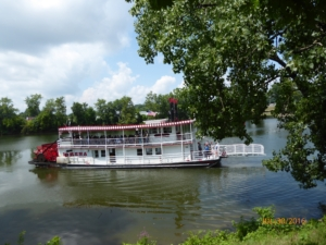 The Paddlewheel Lorena Heading to Battle